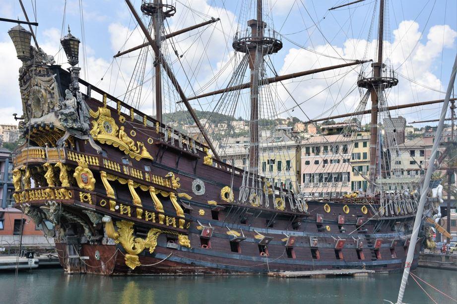 Vascello Neptune a Genova