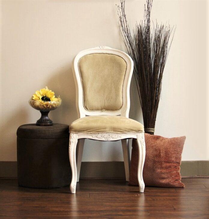 Fai da te: come recuperare una vecchia sedia trasformandola